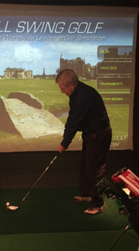 Golfturnering på simulator i Aktivitetssenteret.